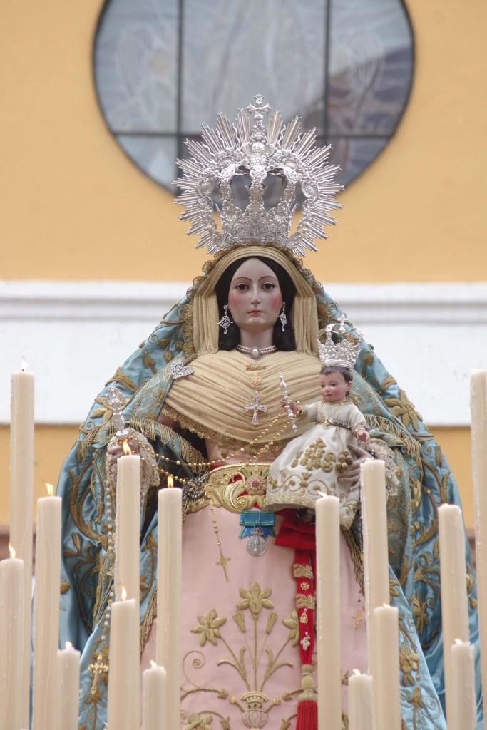 Resultado de imagen de ROSARIO VESPERTINO EXTRAORDINARIO presidido por Nuestra Señora del Rosario, Patrona de El Palo