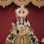 Nuestra Señora del Rosario en el momento de la imposición de su nueva corona.Nuestra Señora del Rosario en el momento de la imposición de su nueva corona.