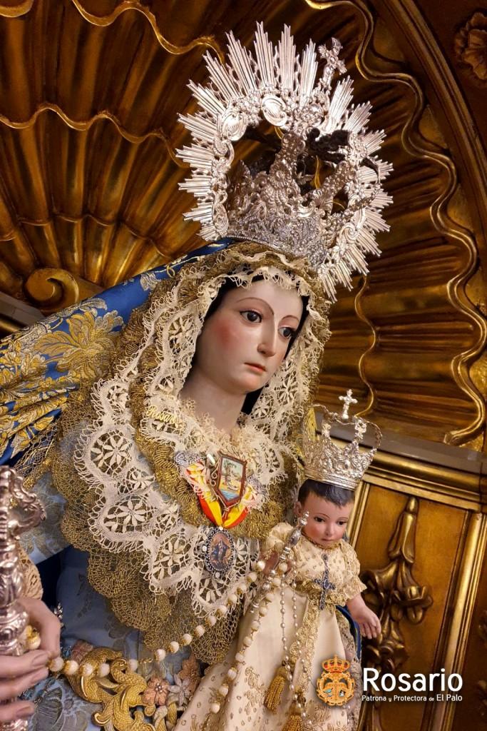 Ntra. Sra. del Rosario vestida para la Inmaculada Concepción de María.